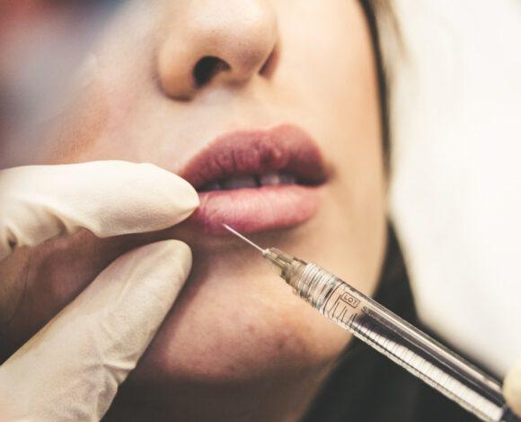 Selfies zorgen ervoor dat vrouwen meer botox gebruiken